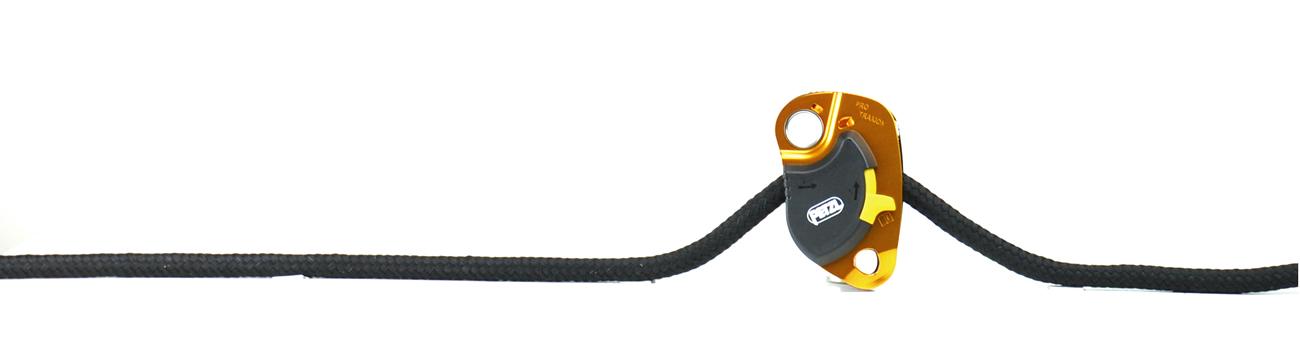 Eine Möglichkeit: Petzl Protraxion mit 12 mm Seil